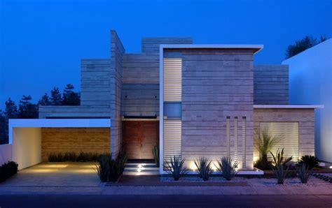 Decoracion De Cocheras Modernas #5: Fachadas-de-casas-modernas-de-un-piso2.jpg