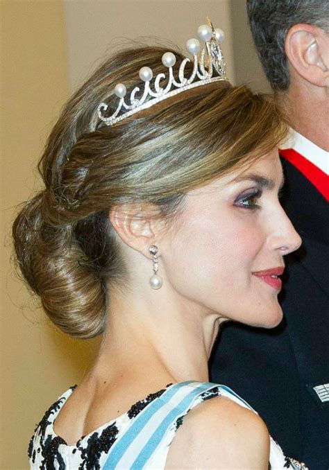 how to do queen hairstyles new wedding hairstyle ideas worn by real live princess