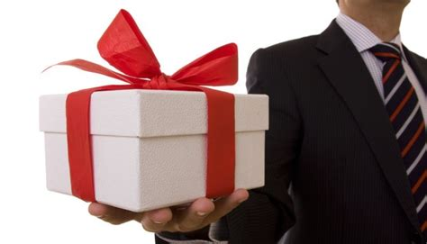gifts to give for effective reward system design part 1 linkedin