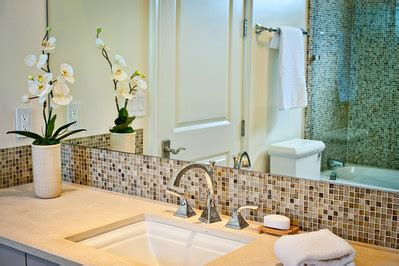 how to make a small bathroom look big 5 tips to make your small bathroom look bigger abode