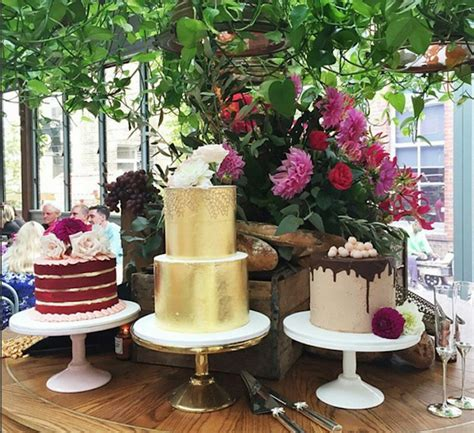 Wedding Cake Traditions by 5 Wedding Cake Traditions And Where They Actually Came