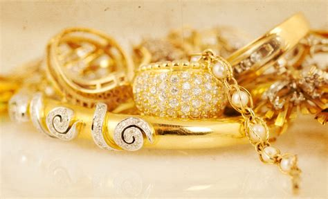 estate jewelry buying what you should when selling