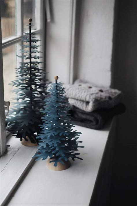 window spraysnowglo christmas windowdecoration window decorations ideas scandinavian style