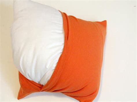 How To Make Throw Pillows Out of Old T Shirts   how tos   DIY