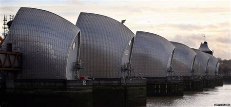 thames flood barrier how does it work how does the thames barrier stop london flooding bbc news