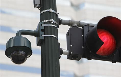 houston traffic light cameras plan for cameras pits safety versus privacy in sugar land