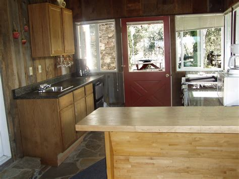 Designs For Kitchen Islands With Tradidional Wooden Table