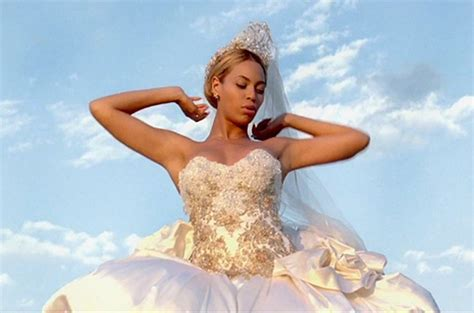 Beyonce's Wedding Dress For Sale   Clizbeats.com