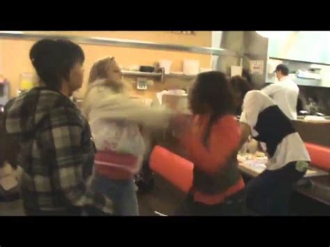 Waffle House Fight by Waffle House Fight Between Hoodrats On Brice In Columbus