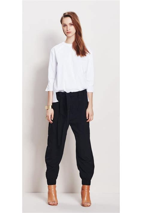 comfortable travel pants 11 comfortable yet stylish pants to travel in viva
