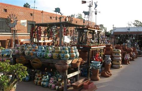 Shopping In The Best Pottery In Town by As Mais Belas Cidades San Diego