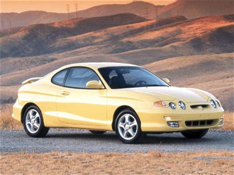 blue book value used cars 2005 hyundai tiburon electronic valve timing photos and videos 2005 hyundai tiburon hatchback history in pictures kelley blue book
