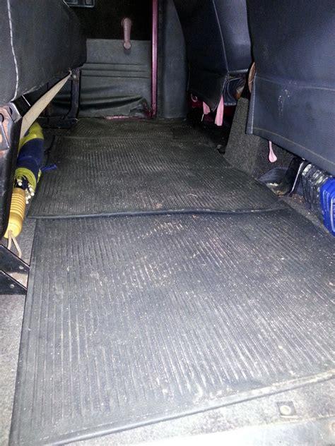 Karpet Lantai Mobil Kijang Rover toyota kijang rover 1490 cc tahun 1990