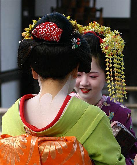 chinese hairstyles history file geisha kyoto 2004 11 21 jpg wikipedia