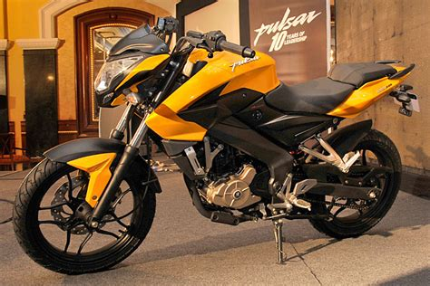 New Bajaj Pulsar 200NS Gallery   Bike Gallery   Bikes