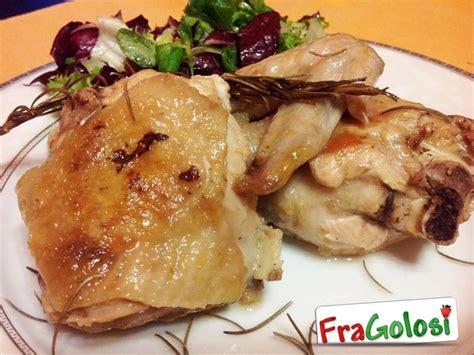 cucinare il pollo a pezzi pollo in padella ricetta pollo in padella fragolosi