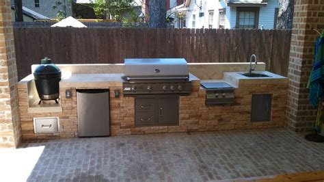 Diy Outdoor Kitchen Island by Free Burner Fridge With Our Rcs Built In Grills
