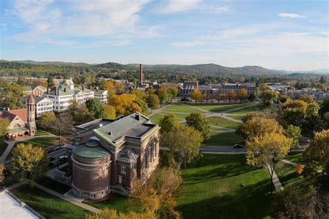 Dartmouth Mba Class Size by Dartmouth Cus Master Plan Projects Beyer Blinder