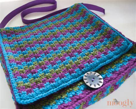crochet patterns messenger bags free crochet messenger bag pattern watch the video tutorial