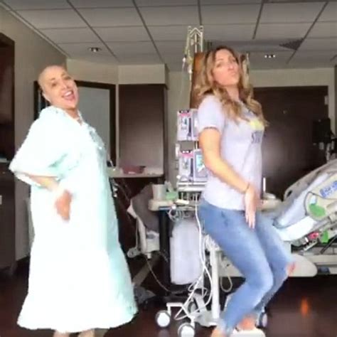 how to help someone going through chemo everyday road mother who inspired millions by dancing during chemo dies