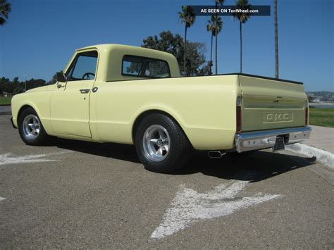 short bed trucks 1967 gmc chevrolet short bed pickup