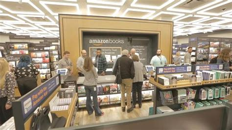 amazon new books amazon bookstore opens in new york