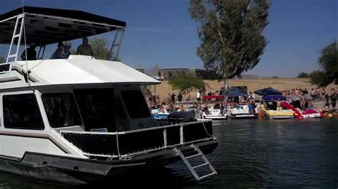 lake havasu house boats houseboat crashes boats the channel lake havasu youtube