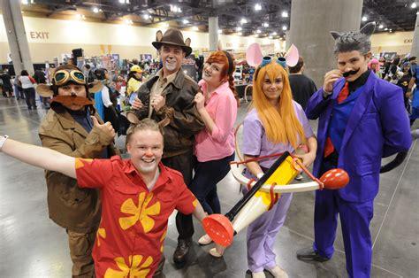 phoenix fan fest 2017 guests best cosplay of 2017 phoenix comicon idiotarod