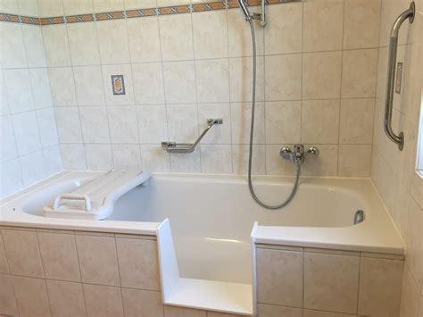 Transformation Baignoire En baignoire avec porte d acc 232 s transformer une baignoire