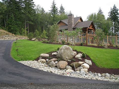 Driveway Garden Ideas 33 Best Images About Drive On Pinterest Low Maintenance Yard Walkways And Circular Driveway