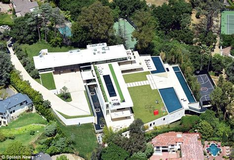 jay z house beyonce and jay z house hunting on 80million budget daily mail online