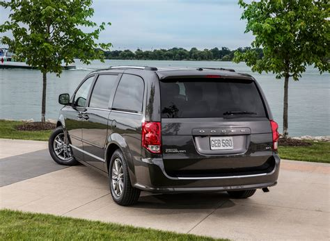 Jeep Sxt Chrysler Sales Up 20 Percent In August Thanks To Jeep And
