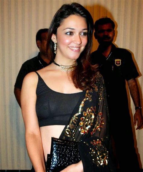 celebrity bollywood bollywood actresses wardrobe malfunction pics 14 embarrassing wardrobe malfunctions of bollywood hot