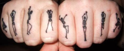 30 freaking awesome finger tattoo design entertainmentmesh