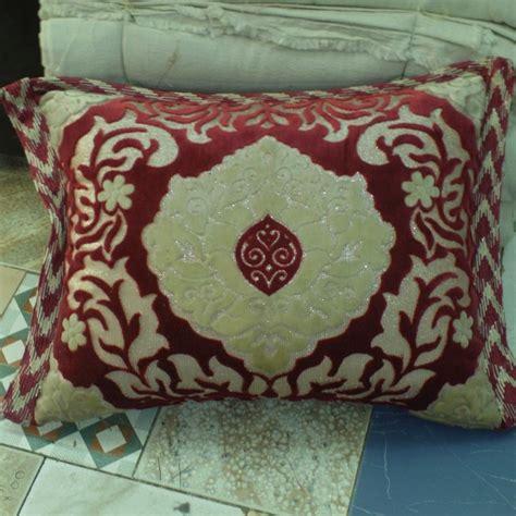 housse de canapé marocain housse de coussin en velours avec liser 233 salon marocain