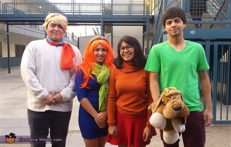 mystery gang costume
