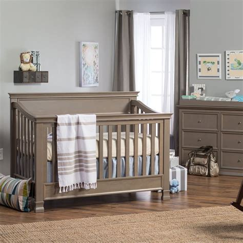 Million Dollar Baby Crib Set Million Dollar Baby Classic Foothills Collection 4 In 1 Convertible Crib Set Www Beautiful