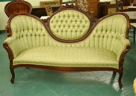 1105 Victorian Reproduction Sofa Cameo Back Butterfl