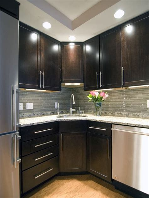 Corner Kitchen Cabinets Design Corner Sink Small Kitchen Design Pictures Remodel Decor And Ideas Page 3 If You Build It