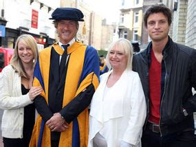 Richard And Judy Summer Reads My Best Friends By Dorothy Koomson by Let S Cheer The And Gifted Richard And Judy