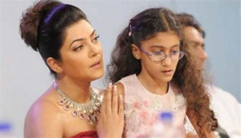 sushmita sen renee sen sushmita sen showers love on daughter renee posts