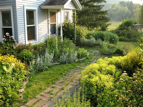 Front Garden Ideas On A Budget Simple Front Yard Landscaping Ideas On A Budget Laredoreads