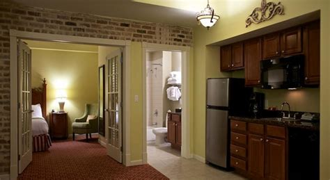 2 bedroom suites in new orleans wyndham la belle maison 2 tripbound com tripbound wyndham la belle maison