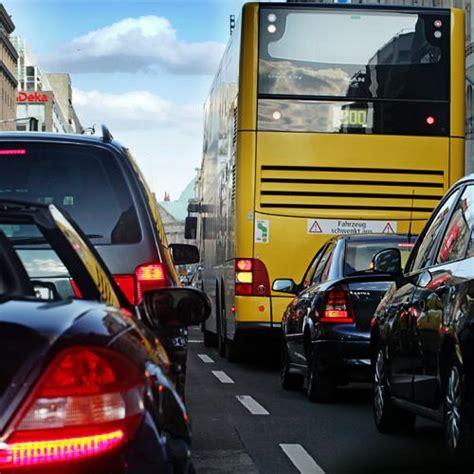 Auto Versicherung Pro Jahr by Kfz Versicherung Schummeln Kostet Strafe I Punkt Richter