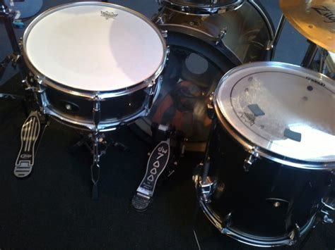 tama imperialstar drum kit with rack hardware and cymbals