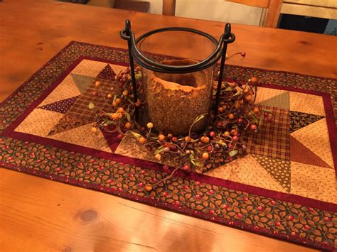 quilted table runner primitive country item 827