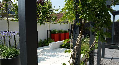 kleine pergola designs moderne onderhoudsvriendelijke achtertuin rodenburg tuinen