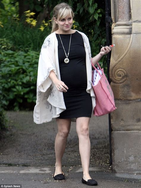 is tina cbell pregnant 2014 pregnant tina o brien showcases her neat baby bump in a