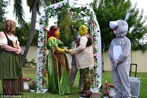 debra mundy and mervin rider stage shrek themed wedding dressed as ogres daily mail