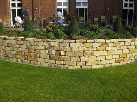beleuchtung natursteinmauer natursteinmauer galabau m 228 hler traumgarten